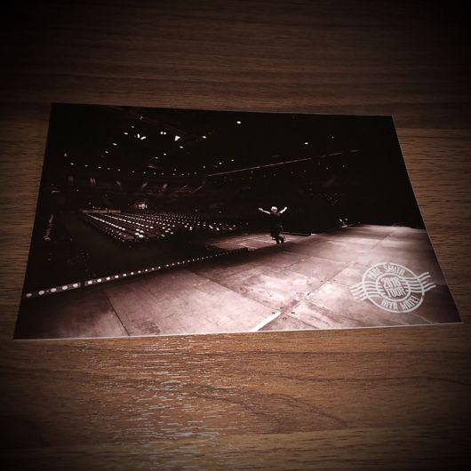 Paul Smith Hiya Mate 2018 Collectible Tour Postcard (1 of 10)